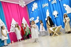 Narodzenie Pana winterpretacji przedszkolaków