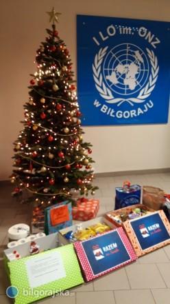 """Akcja """"Razem na Święta"""" wI LO im. ONZ"""