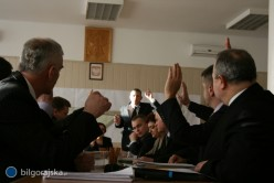 Gmina Bi�goraj przekaza�a szko�y Stowarzyszeniu