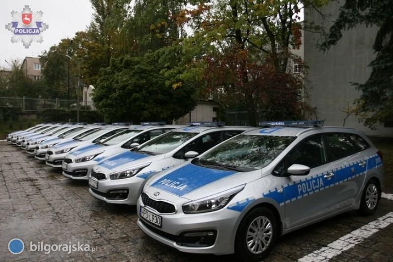 Policjanci odebrali kluczyki do nowych radiowozów