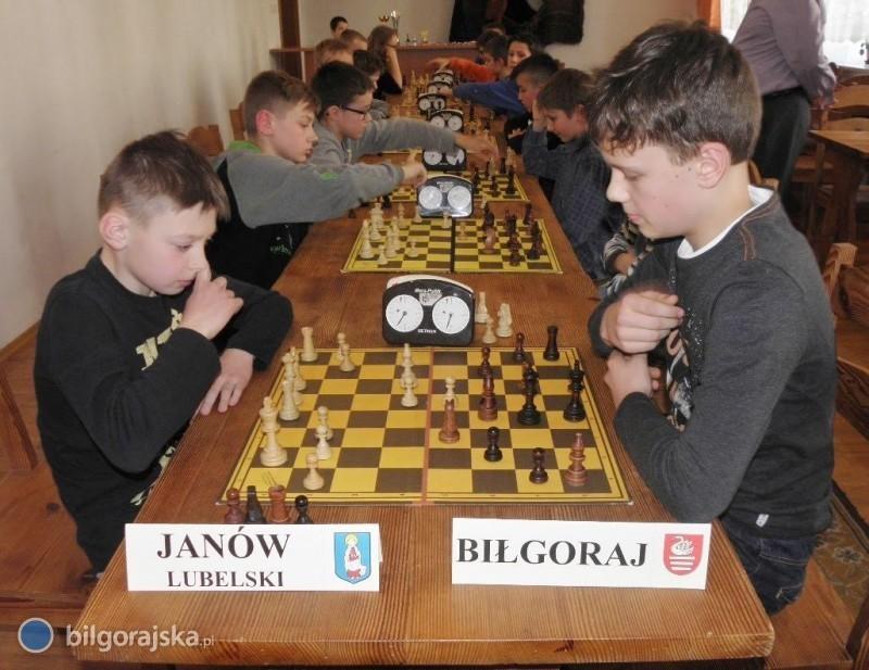 Szachowy mecz juniorów