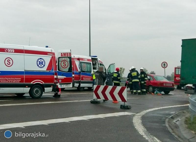 Wypadek na krajówce. 2 osoby poszkodowane [AKTUALIZACJA]