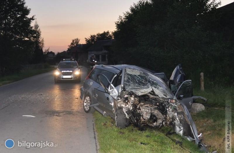 Czołowe zderzenie aut wPotoku Górnym