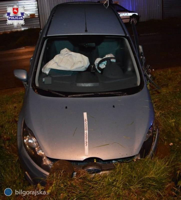 Zderzenie forda zaudi. Dwie kobiety trafiły do szpitala