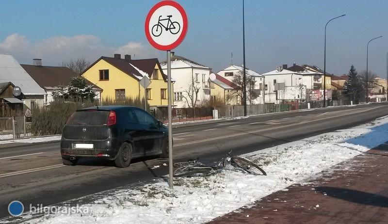 Rowerzysta wjechał wprost pod samochód