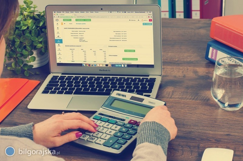 Biuro rachunkowe - zalety prowadzenia księgowości przez profesjonalistów