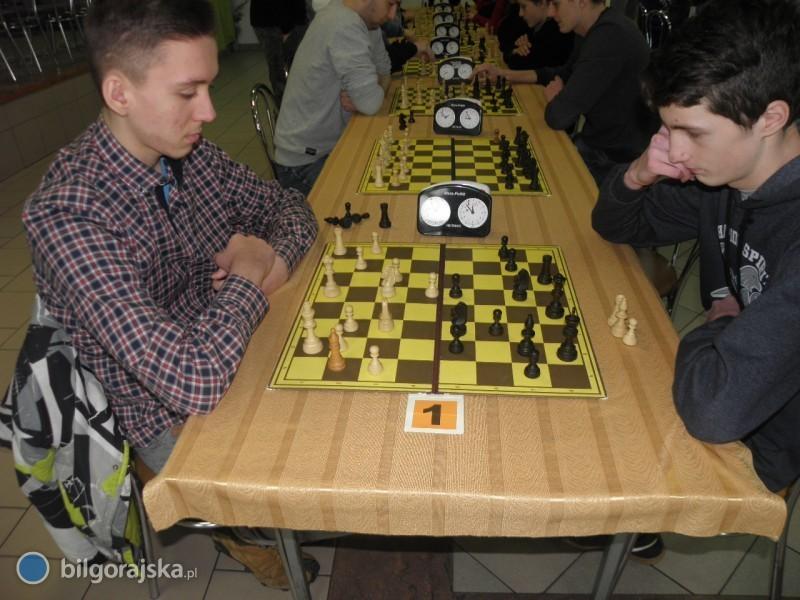 Zmagania szachistów wSzkolnych Mistrzostwach Powiatu