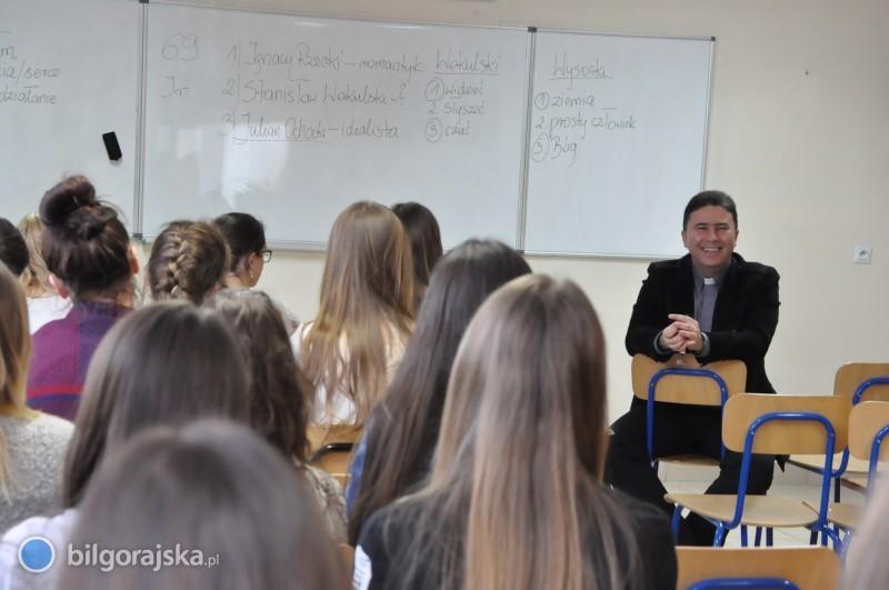 """Książka zplecaka"" wKLO"