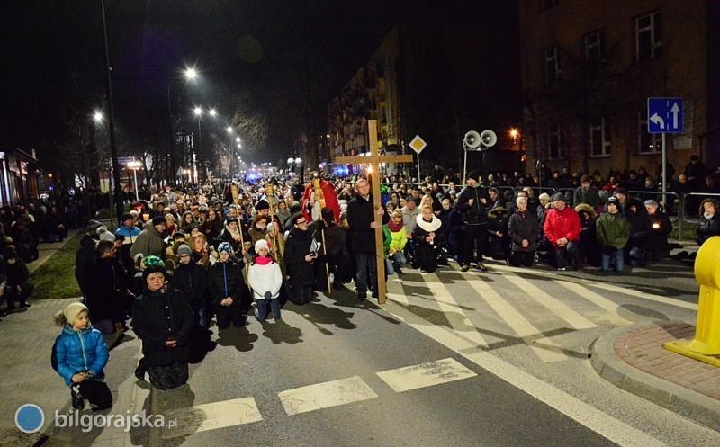 Z krzyżem ulicami miasta