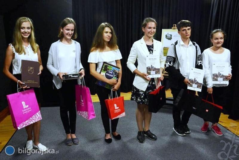 """Uczniowie zDereźni iAleksandrowa laureatami konkursu """"Oblicza Małej Ojczyzny"""""""