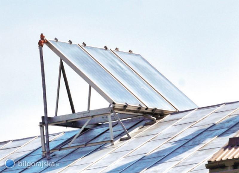 Pierwsze umowy na solary podpisane