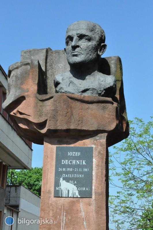 Los pomnika Józefa Dechnika przesądzony?