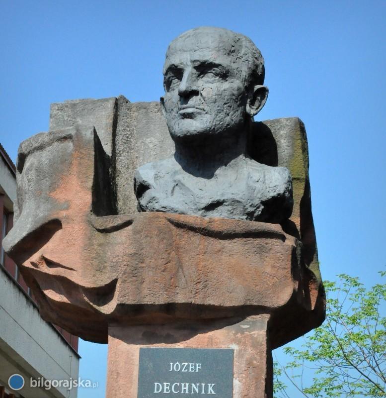 Pomnik J. Dechnika jednak do rozbiórki?