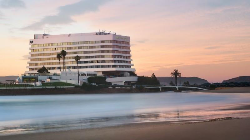 Zorganizuj konferencję nad morzem