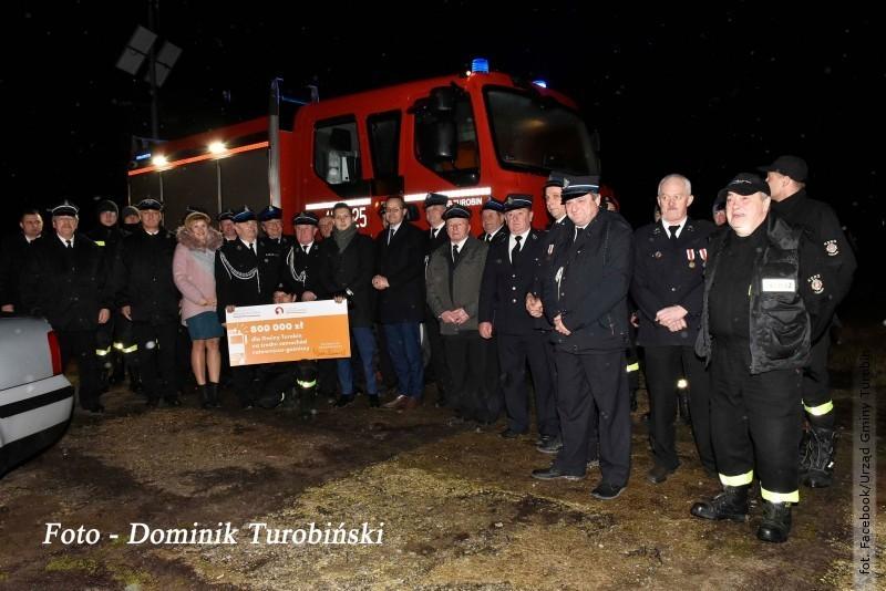 Strażacy zTurobina mają nowy wóz