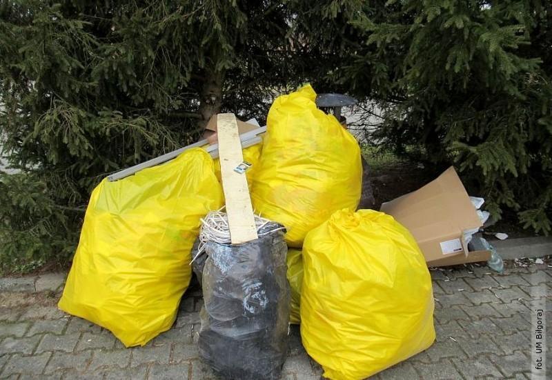 400 zł mandatu za śmieci