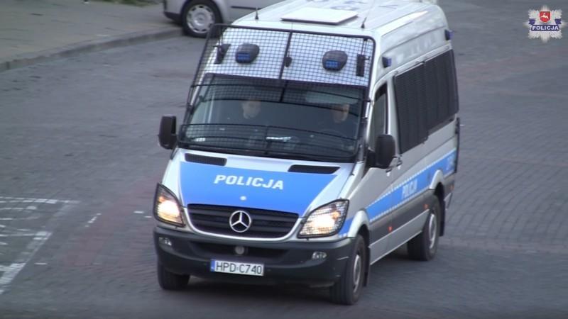 Policja przypomina #zostańwdomu
