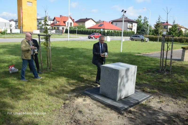 Pomnik Wisławy iPawła Trzcińskich stanął wBiłgoraju