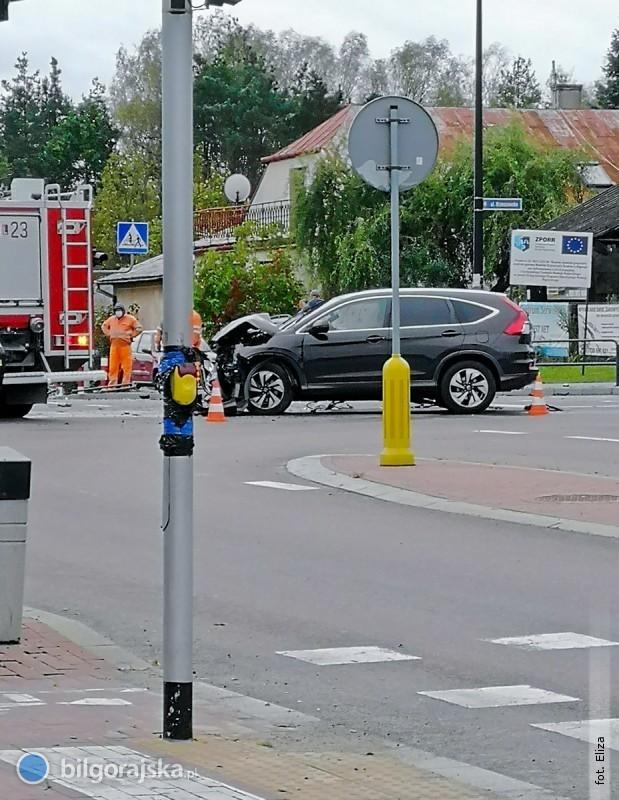 Nieustąpienie pierwszeństwa przejazdu przyczyną zderzenia pojazdów