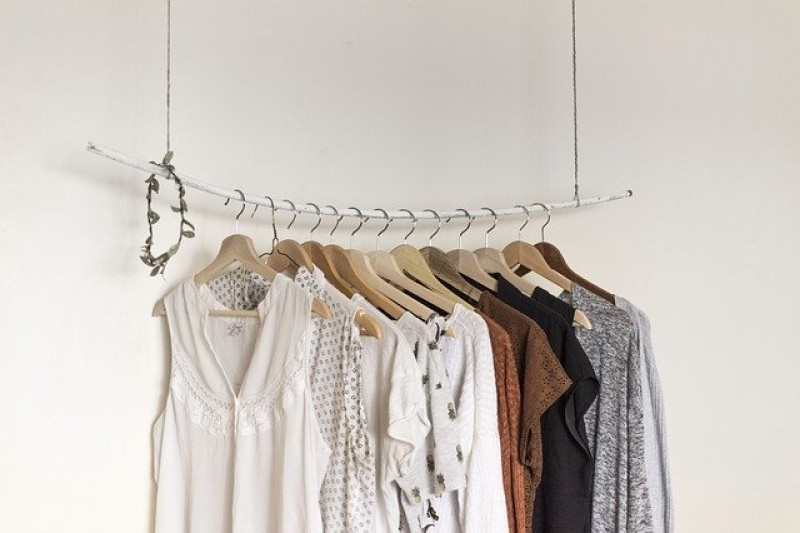Jak wybrać hurtownię odzieży damskiej?