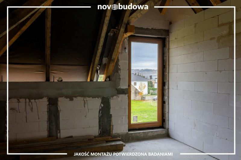 Na jakim etapie budowy zakupić izamontować okna?