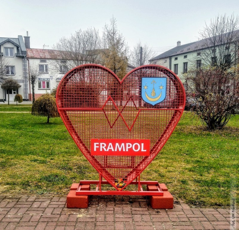 Serce na nakrętki we Frampolu