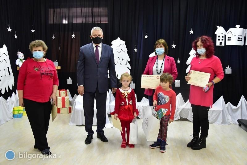 """Uczniowie iprzedszkolaki zpowiatu laureatami Konkursu """"Wolna-Niepodległa"""""""