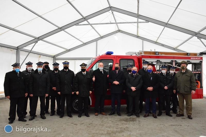 Nowe wozy trafiły do strażaków ochotników