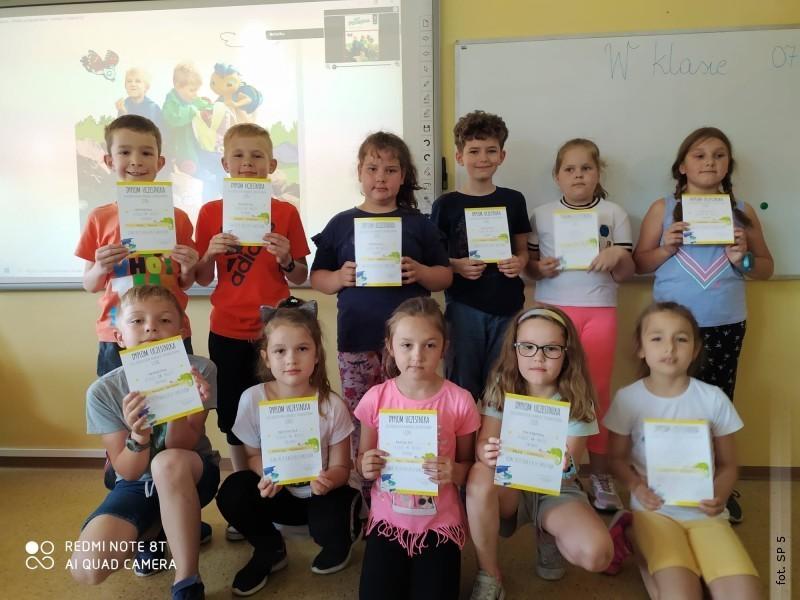 """Uczniowie """"Piątki"""" laureatami Ogólnopolskiego Konkursu Przedmiotowego """"Leon"""""""