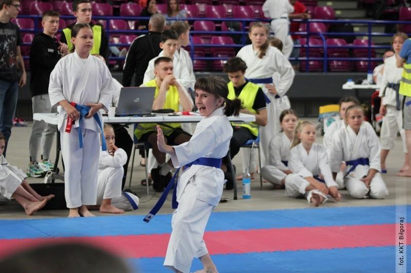 Weronika Pluta medalistką ogólnopolskiego turnieju karate
