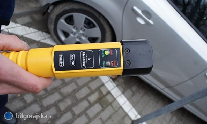 Kompletnie pijani kierowcy zatrzymani przez przypadkowe osoby