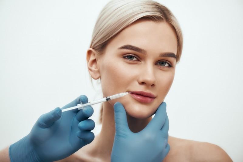 Powiększanie ust kwasem hialuronowym Łódź