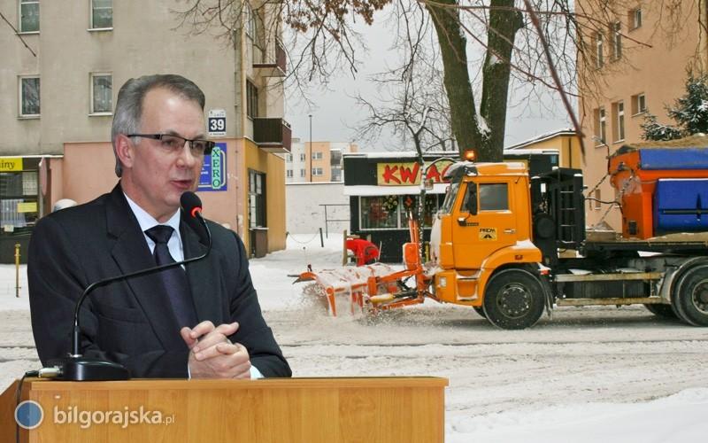 Burmistrz przeprasza za złe warunki na drogach miasta