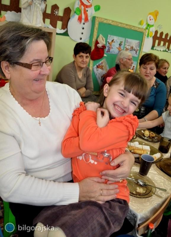 Przedszkolaki dla babć idziadków