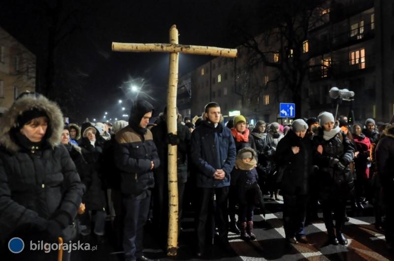 Ponieśli krzyż ulicami Biłgoraja