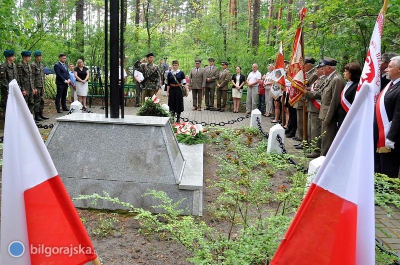 Pamięci pomordowanych partyzantów
