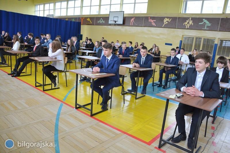 Gimnazjaliści przystąpili do egzaminu