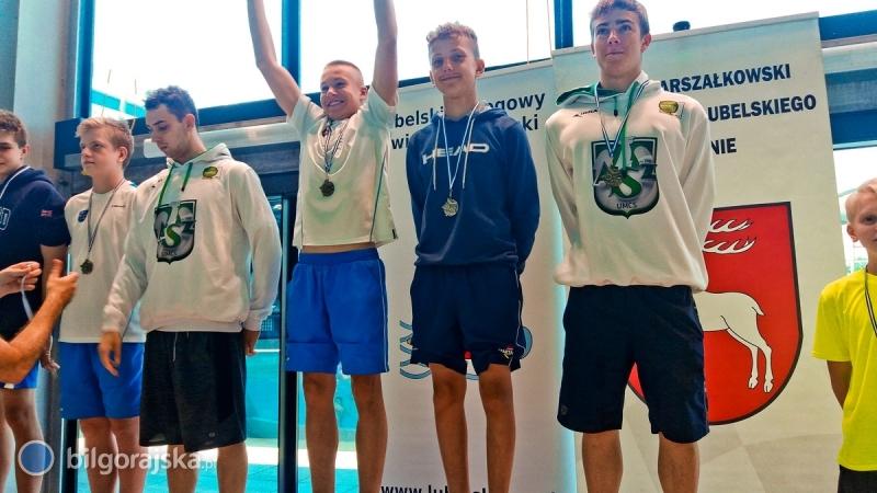 9 medali dla pływaków