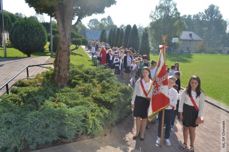 Święto Patrona iNarodowe Czytanie wSzkole Podstawowej wChmielku