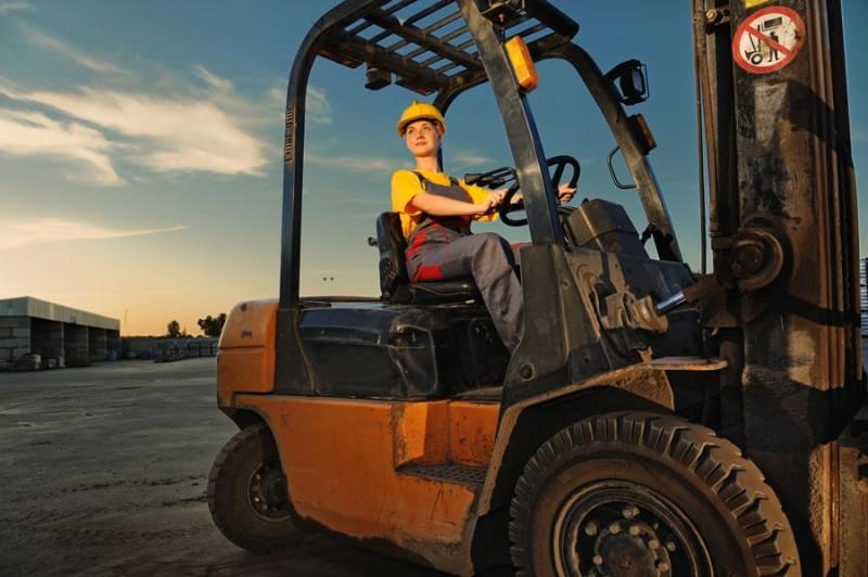 Wózki widłowe elektryczne - sposób na usprawnienie pracy wTwoim biznesie