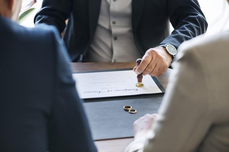 Sprawy rozwodowe Warszawa - jakie są konsekwencje orzeczenia rozwodu?