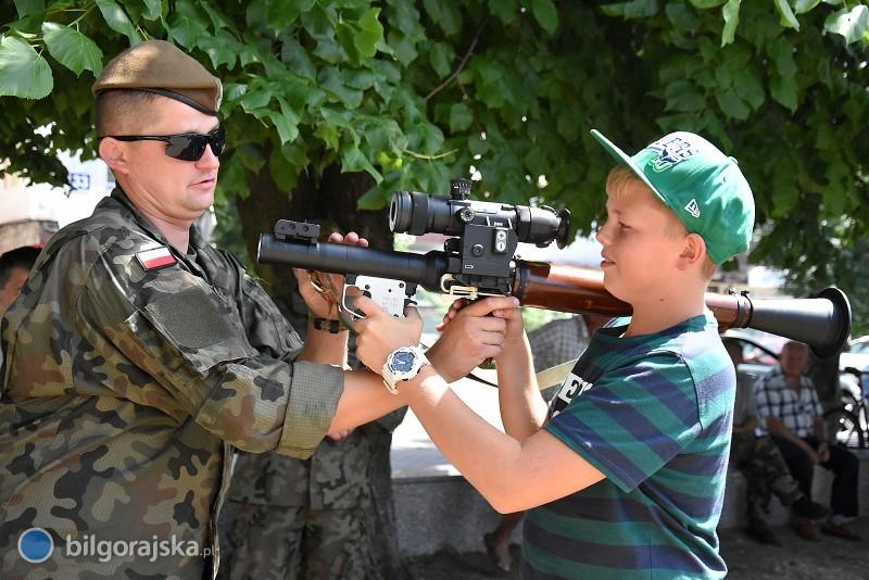 Obóz partyzancki ipiknik militarny