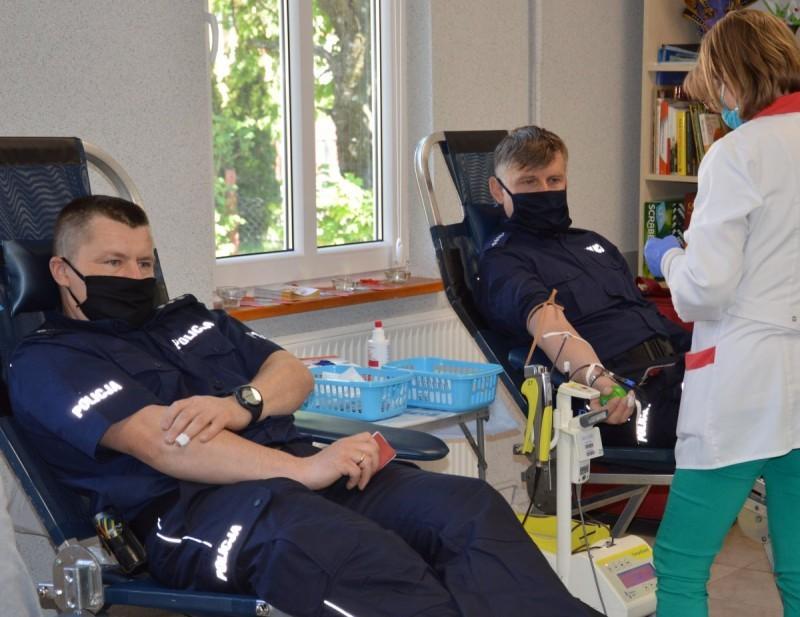 Policjanci oddali krew dla chorego kolegi