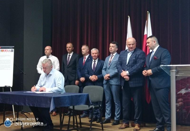 Porozumienie wsprawie budowy kolei podpisane