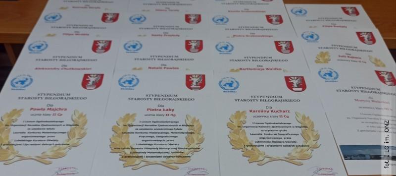 Stypendia Starosty Biłgorajskiego dla uczniów ONZ-etu