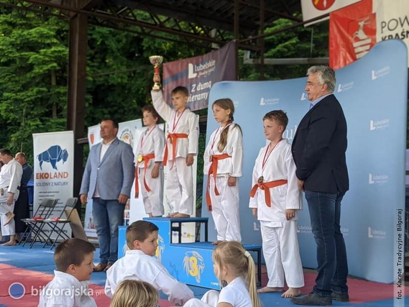 Medale dla karateków