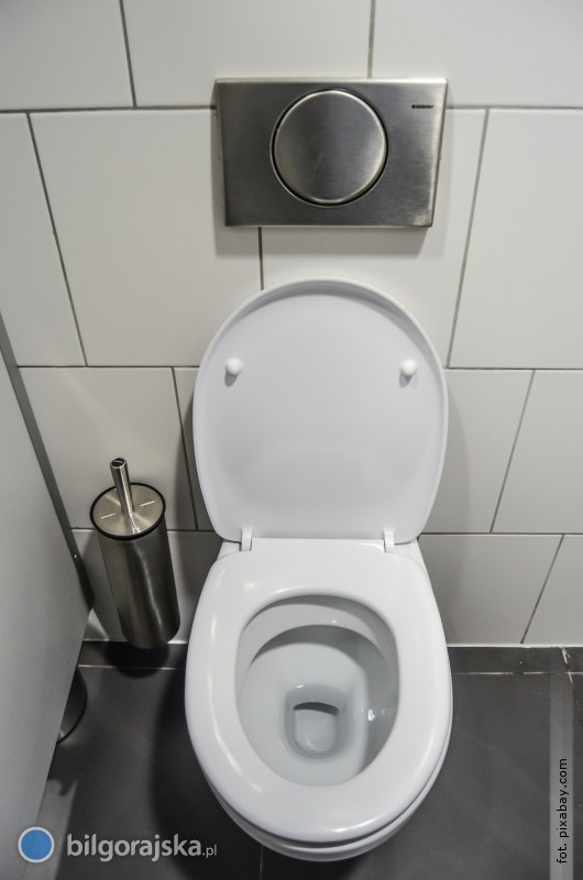 ZGK wŁukowej apeluje do mieszkańców oniewyrzucanie śmieci do toalety