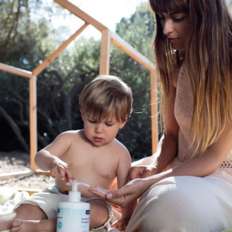 Czym najlepiej pielęgnować skórę niemowlęcia?
