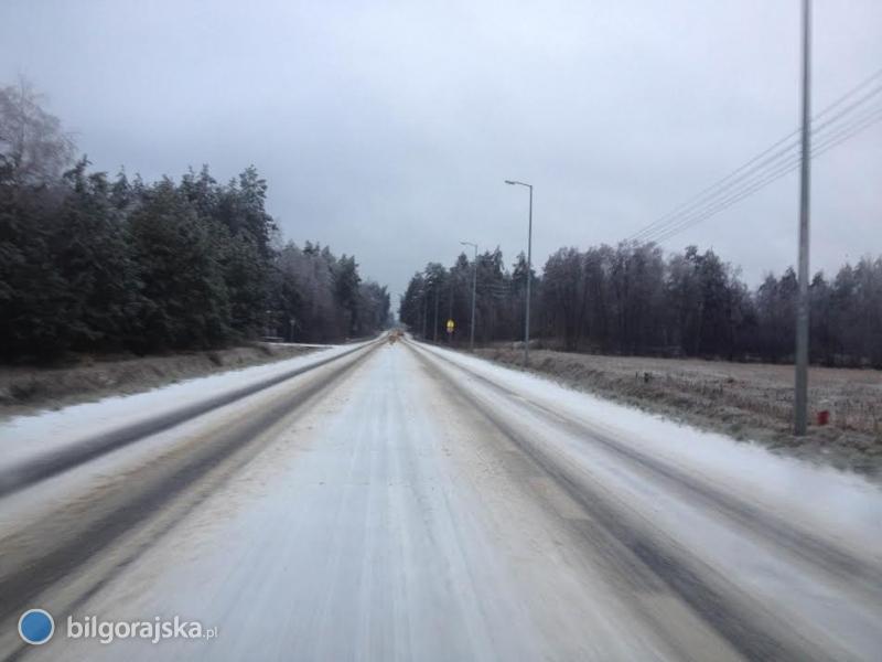 Ślisko na drogach, służby pracują bez przerwy